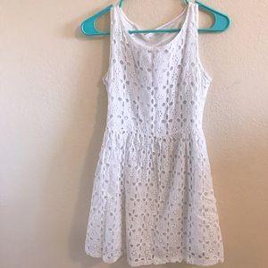 Dresses & Skirts - Summery white eyelet dress!!